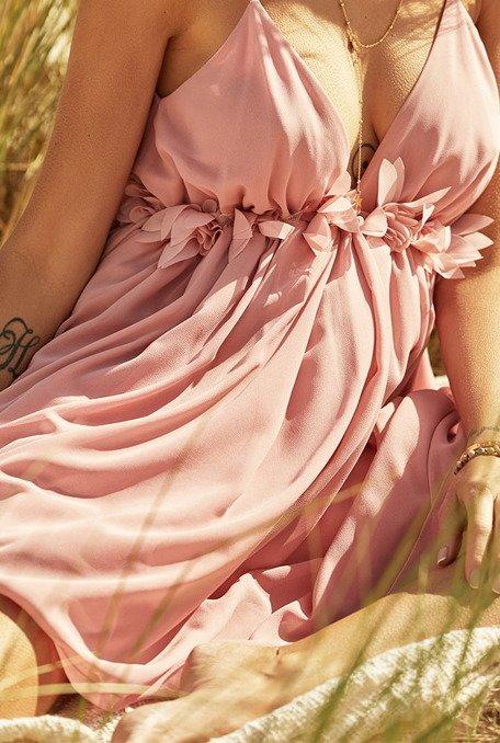 Mulan - Sukienka o długości mini z delikatnej, przewiewnej tkaniny w odcieniu różu